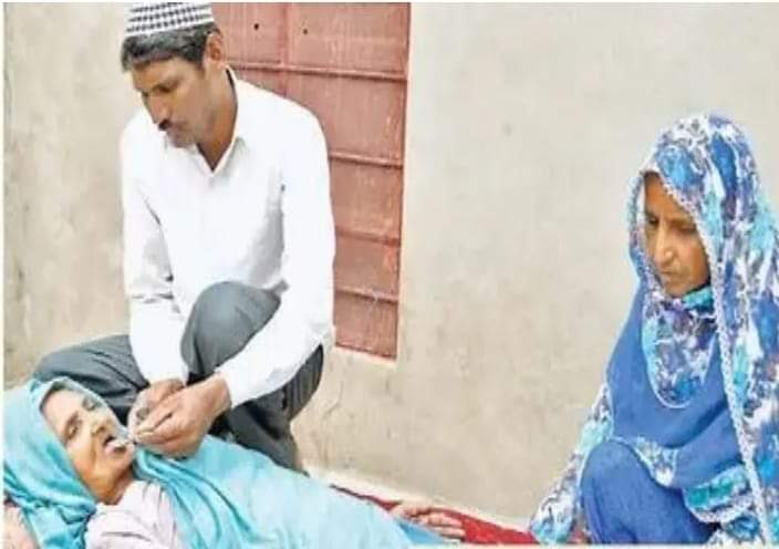हिंदू मां का मुस्लिम बेटा हरिद्वार से लौटा है
